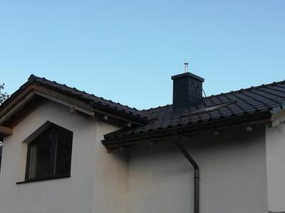 pokryty czarny dach 13