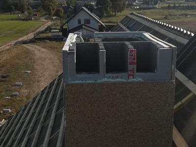 pokryty czarny dach 17