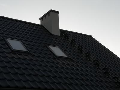 pokryty czarny dach 21