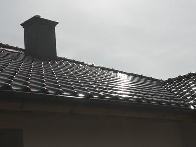 pokryty czarny dach 22