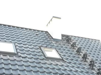pokryty czarny dach 23