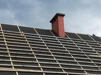 pokryty czarny dach 29