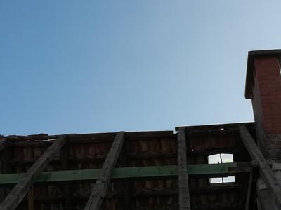 pokryty czarny dach 31
