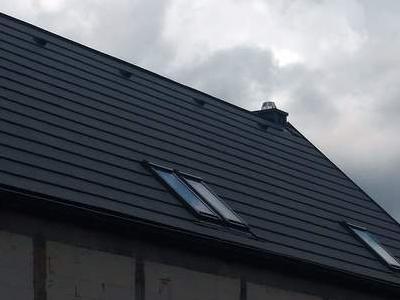 pokryty czarny dach 3